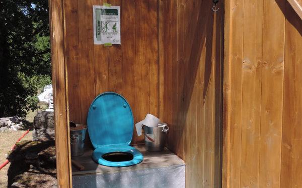 Chroniques de l'été – toilettes sèches mobiles